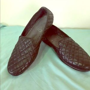 Aerosoles, Size 8.5 M, black quilted leather!